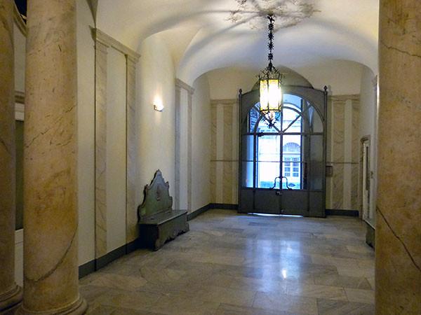 entrée palazzo cicala