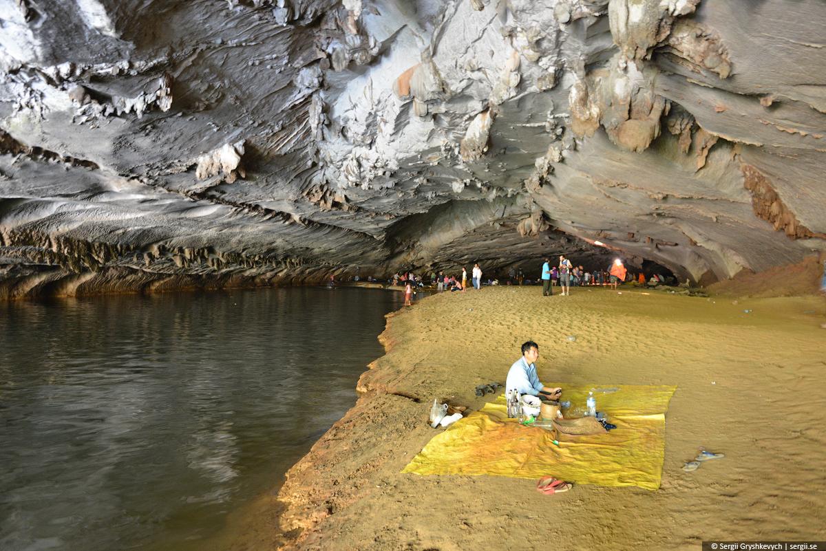 Kong_Lor_Cave_Laos-16