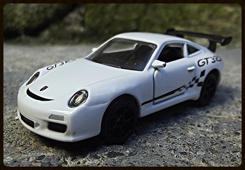N°209D Porche 911 GT3RS. 16481612791_854a8ebc18_c