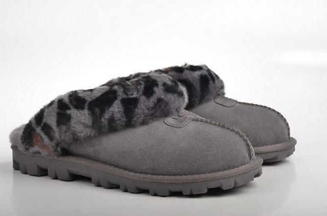 ugg australia coquette leopard hausschuh pantoffel 1003649 lammfell gef ttert veloursleder grau. Black Bedroom Furniture Sets. Home Design Ideas