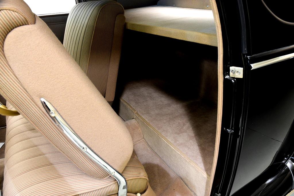 39008_L Lincoln Zephyr V12 3SPD Coupe_Black