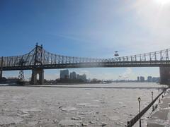 sea(0.0), river(0.0), pier(0.0), cable-stayed bridge(0.0), suspension bridge(1.0), bridge(1.0),