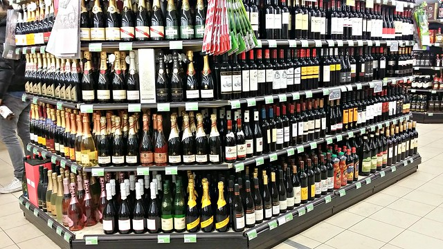 Viinit ruokakauppoihin!