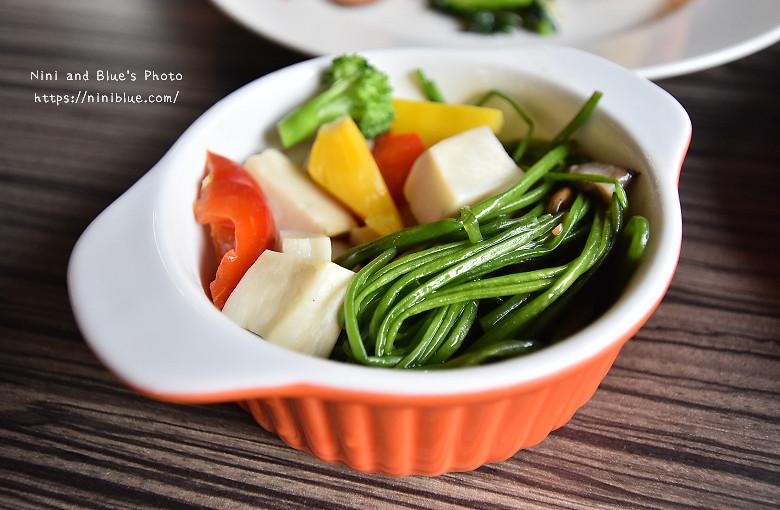 30404130676 4a5fa29f27 b - 【熱血採訪】陶然左岸,嚴選當季鮮蔬、台灣小農生產,推廣健康飲食觀念,是蔬食但非全素吃到飽餐廳