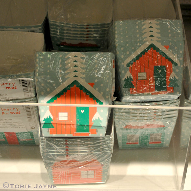 Hema Snow topped house boxes