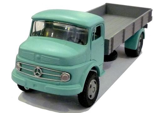 Buby Mercedes L1112 (1)