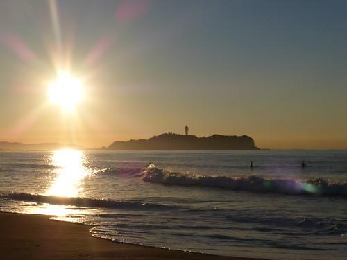 red sea orange sun japan sunrise gold enoshima 冬 太陽 海 空 shonan 江ノ島 湘南 波 日の出