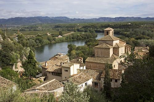 "españa church rio river spain iglesia catalonia catalunya ebro cataluña riu miravet ebre espanya esglesia ""riverebro"" ""riberad'ebre"""
