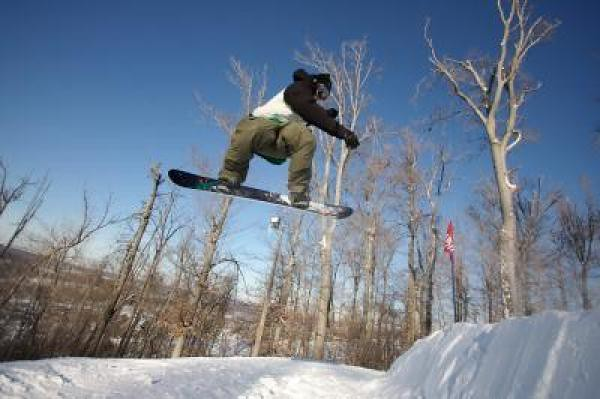 Mid River Mt. snowboarder