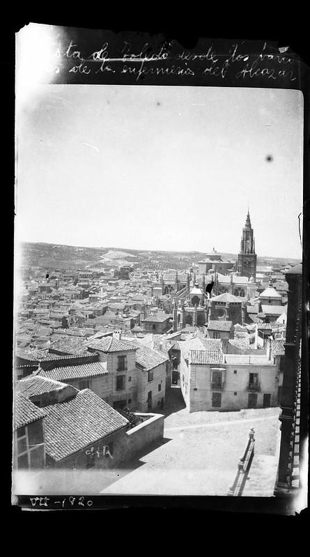 Vista del Arrabal de los Francos desde el Alcázar en 1920. Centro de estudios de C-LM.