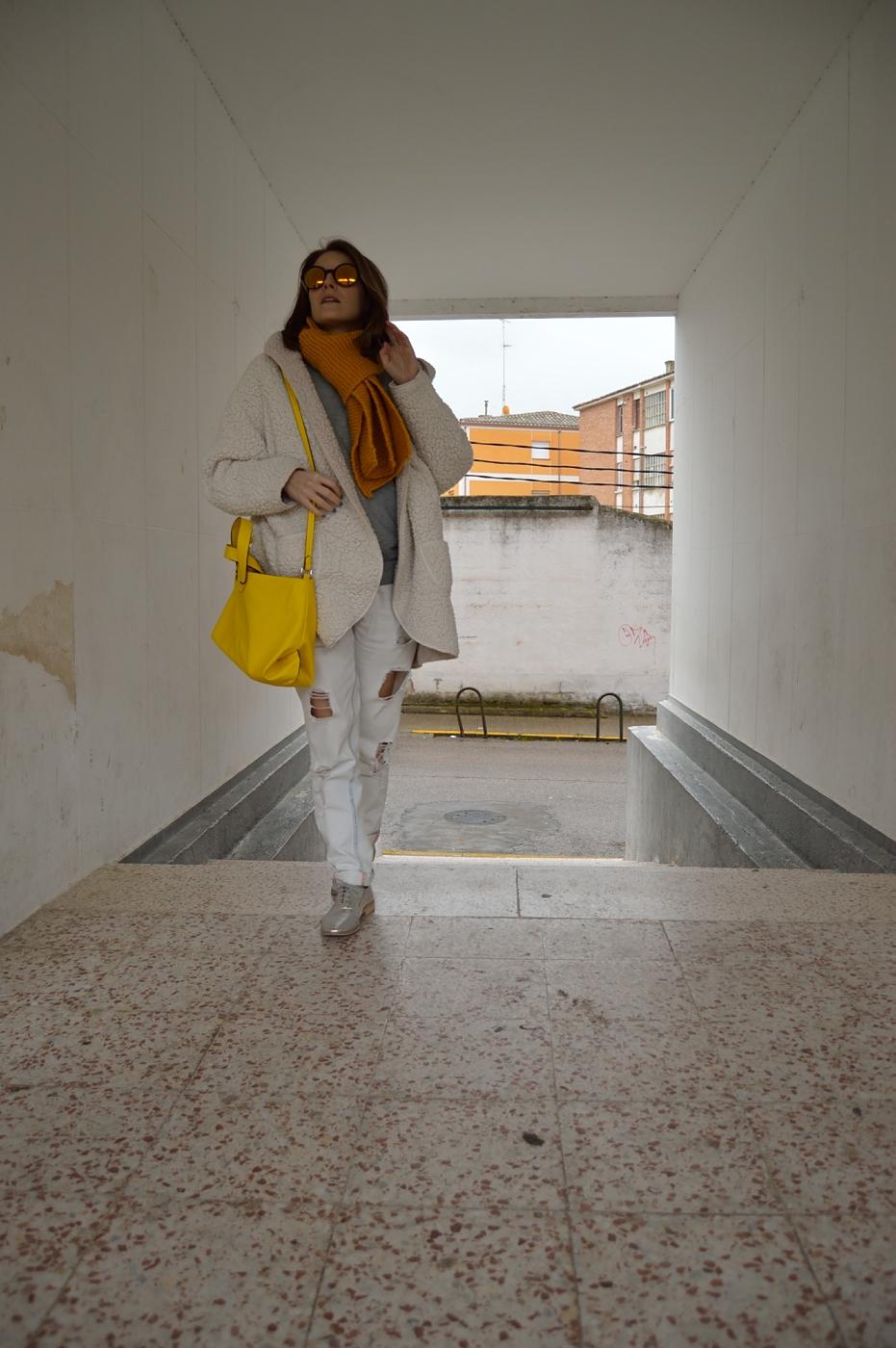 lara-vazquez-mad-lula-style-streetstyle-look-ootd-fashion-white-goes-on