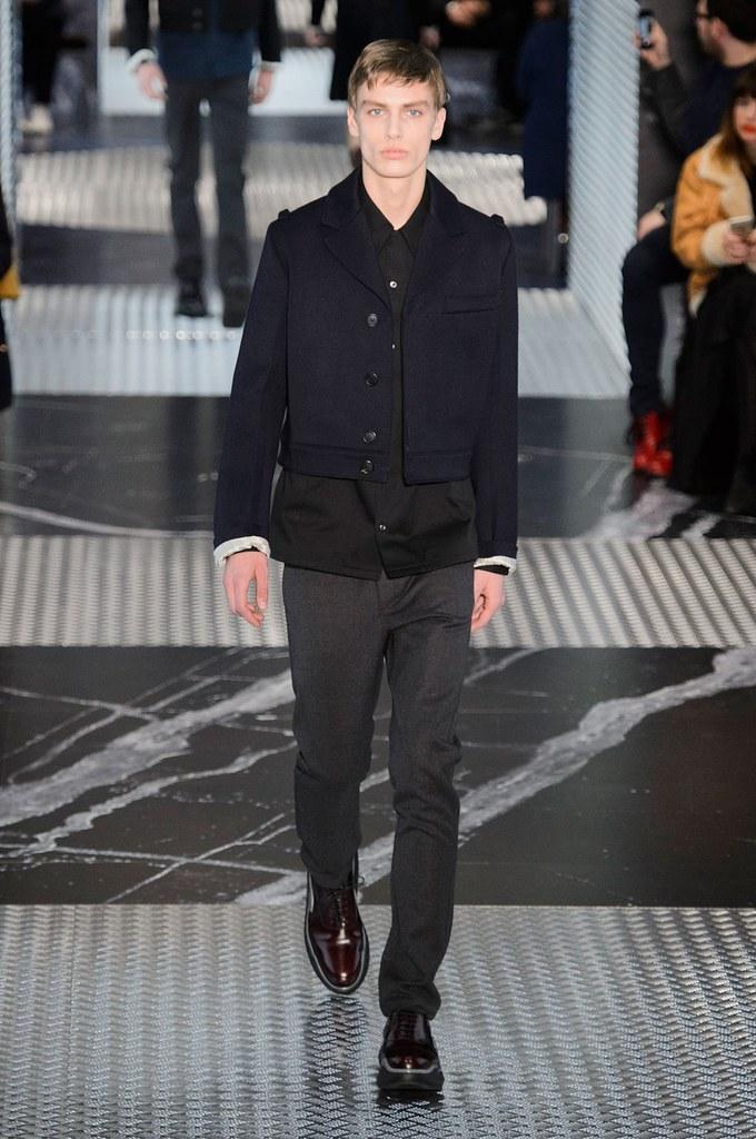 Marc Schulze3058_FW15 Milan Prada(fashionising.com)