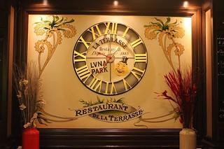La Terrasse - clock