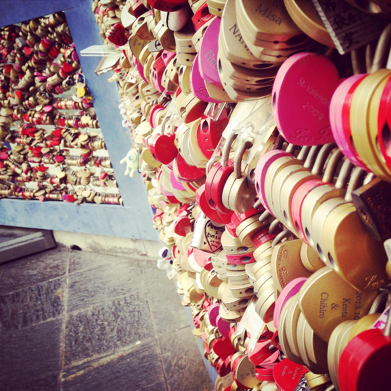 Sea of heartlocks
