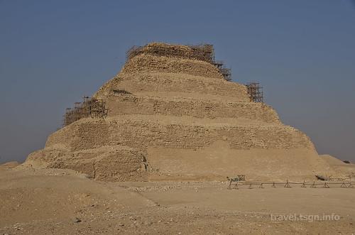 【写真】世界一周 : 階段ピラミッド