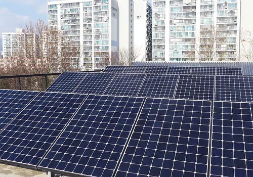 屋頂太陽能板;攝影:陳文姿
