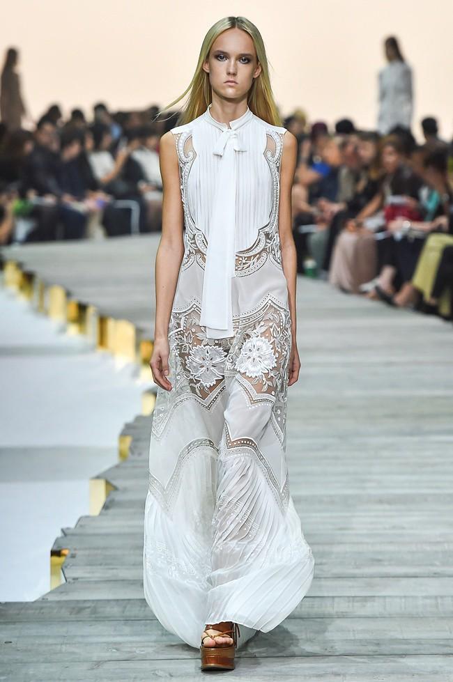 2 Roberto Cavalli SS 2015 Fashion Show