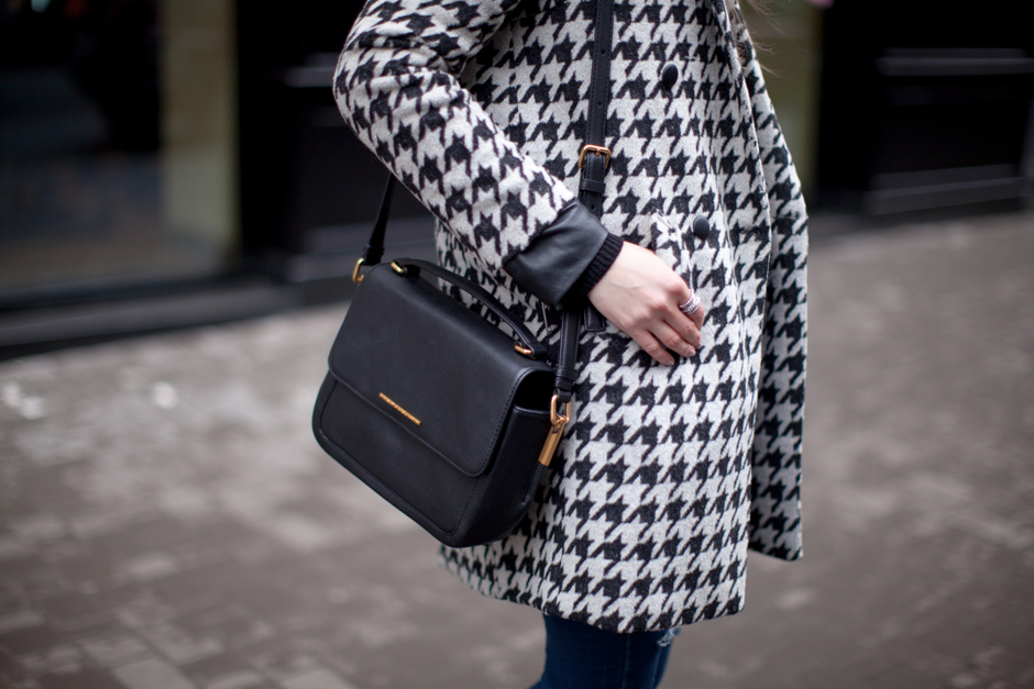 how-to-wear-houndstooth-print-outfit-ideas