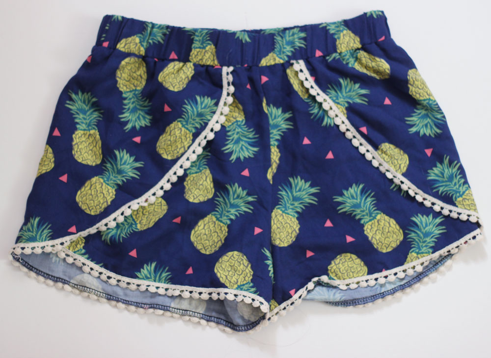 Pineapple print tassel shorts