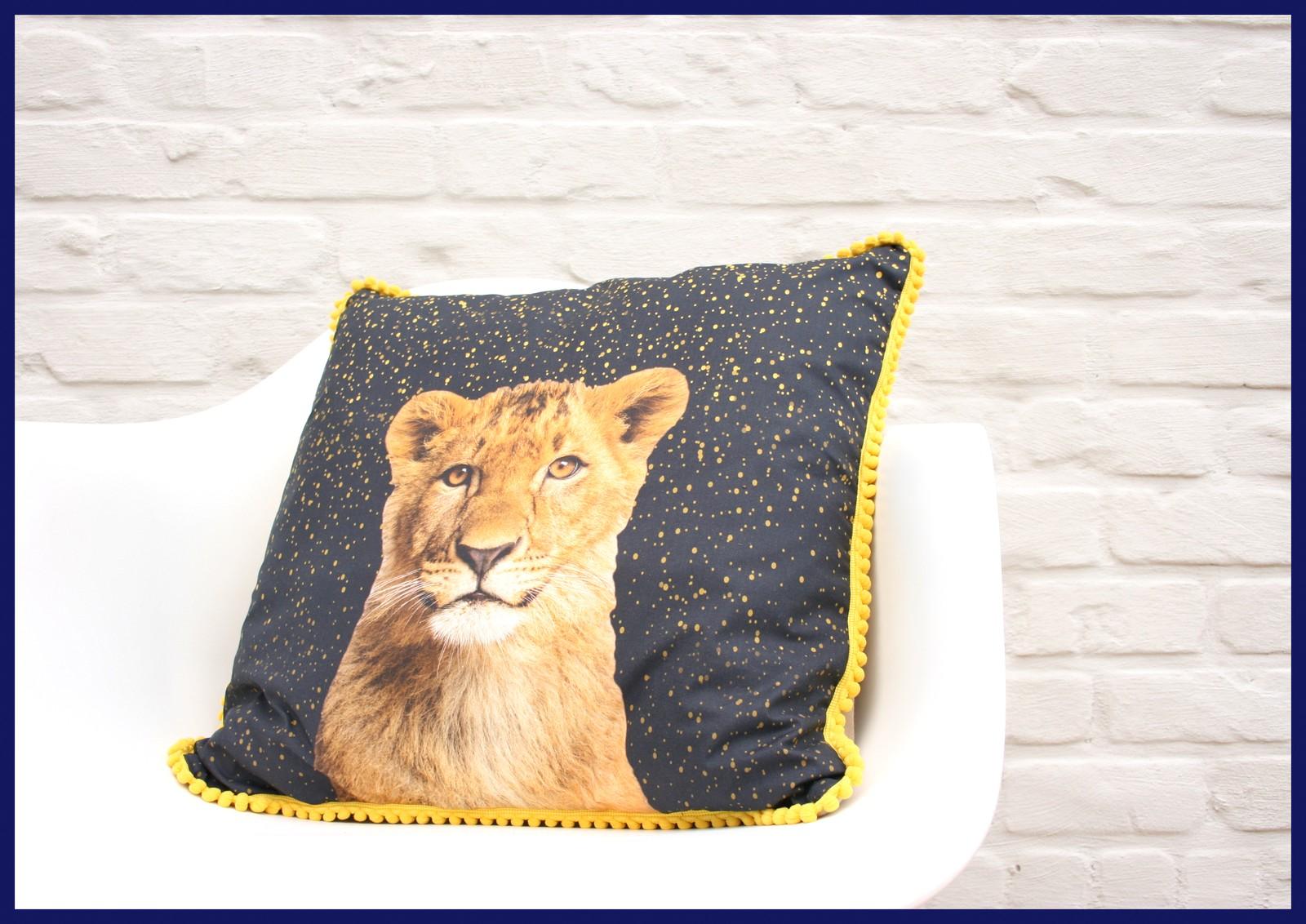 bambiblauw kussen (lion)