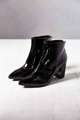 vagabond saida patent leather boot urban outfitters