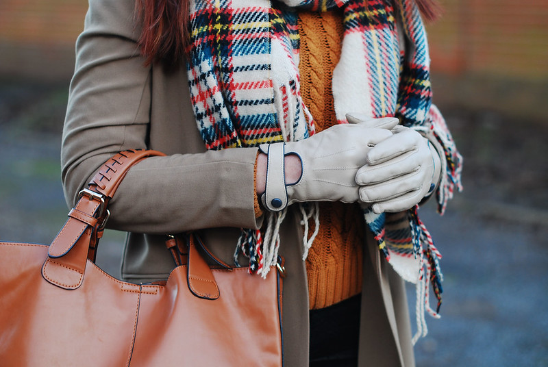 Autumnal tones with an oversized tartan scarf
