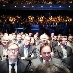 Una delle conferenze stampa più affollate di sempre. Parla Dieter #Zetsche. #CES2015 #mbces
