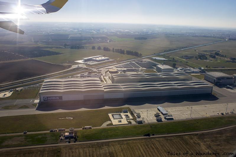 SEVILLA - Aeropuerto de Sevilla-San Pablo / Airbus Military / Vueling VY1299 SVQ - LCG