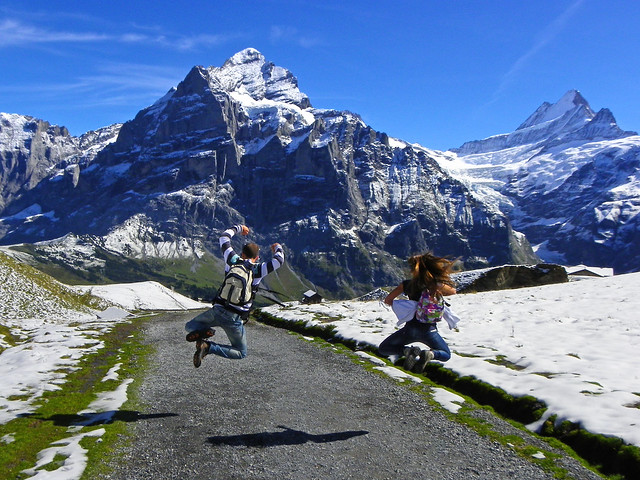Saltando en los alpes como cabras