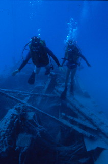 "Diving the ""Aquanaut"" wreck - Key West"