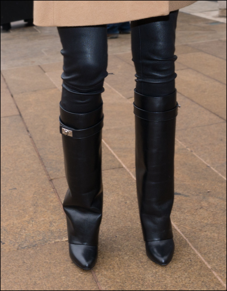 FW2-15  42w2  Camel coat black leather pants Givenchy foldover boots