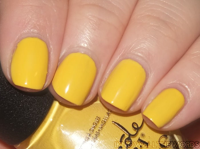 nicole by opi new shades- bee in the moment