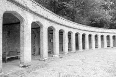 abbey(0.0), monastery(0.0), aqueduct(0.0), column(0.0), bridge(0.0), arch(1.0), architecture(1.0), monochrome photography(1.0), monochrome(1.0), viaduct(1.0), arcade(1.0), black-and-white(1.0),