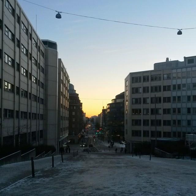 Talvinen auringonlasku Kalliossa
