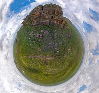 Nourlangie Rock Little world