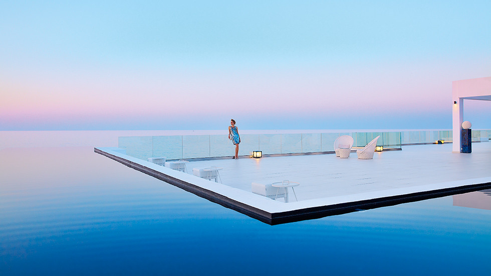 03-luxury-boutique-resort-in-crete-white-palace-7068_thumb1