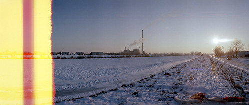 chimney sun snow film nature river landscape kodak horizon 28mm croatia zagreb powerplant riverbank canoscan horizon202 202 100asa sava twop ektar c41 colornegative riversava vuescan 8800f beginningoftheworld mc2828 canoscan8800f kodakektar100 ektar100 film:brand=kodak film:format=135 canoncanoscan8800f location:country=croatia film:process=c41 lens:focallength=28mm developer:name=c41 film:speed=100asa location:city=zagreb camera:brand=horizon camera:model=202 lens:model=mc2828 lens:maxaperture=28 filmbeginning film:model=ektar