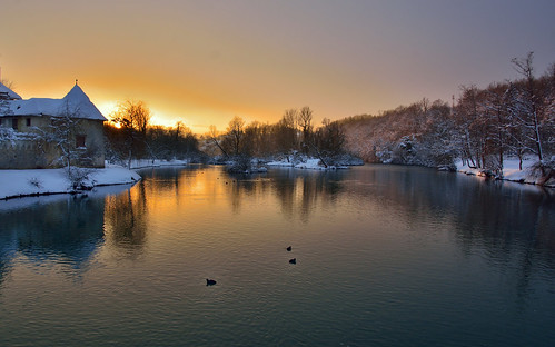 winter sunset snow castle water river island evening nikon glow ducks peaceful slovenia krka waterscape otočec d7100