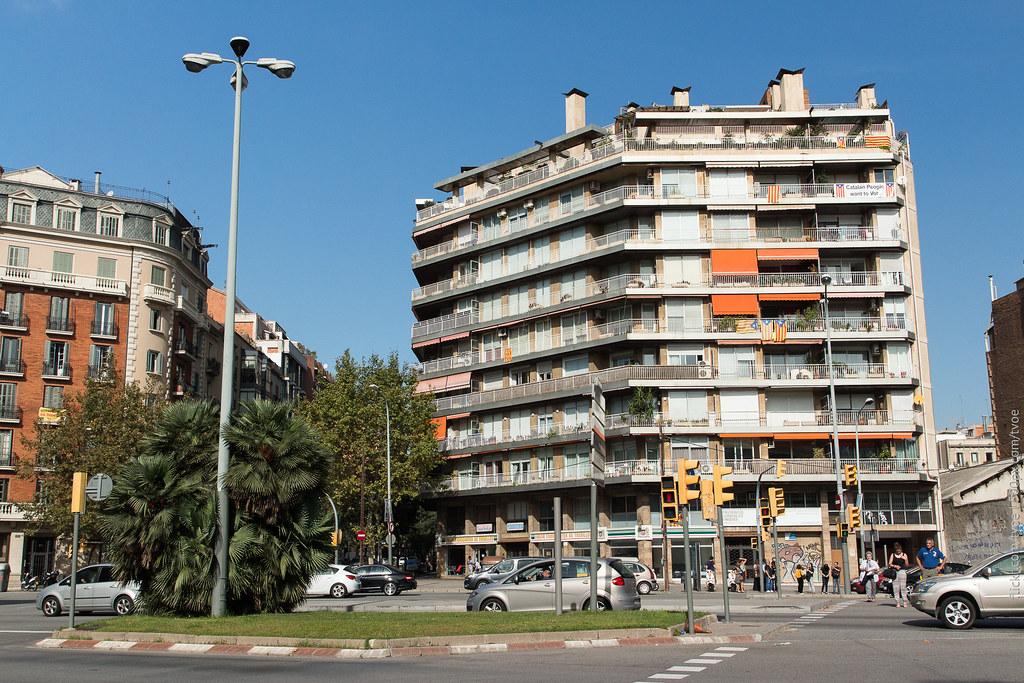 Проспект Диагональ в Барселоне перед референдумом.