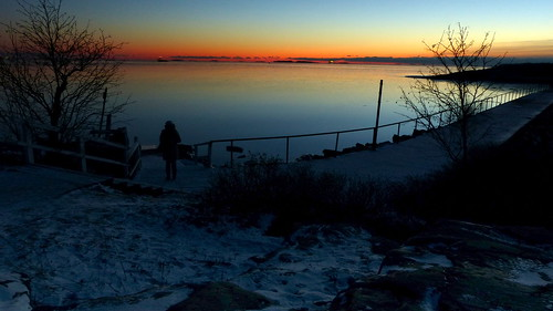 winter sunset sea finland geotagged islands helsinki january balticsea u bluehour helsingfors fin ullanlinna seashore uunisaari uusimaa 2015 nyland liuskasaari ulrikasborg eteläinenuunisaari skifferholmen södraugnsholmen 201501 20150105 geo:lat=6015194562 geo:lon=2495174288