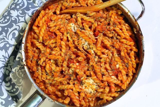 Cheesy Pasta with Tomato Cream Sauce