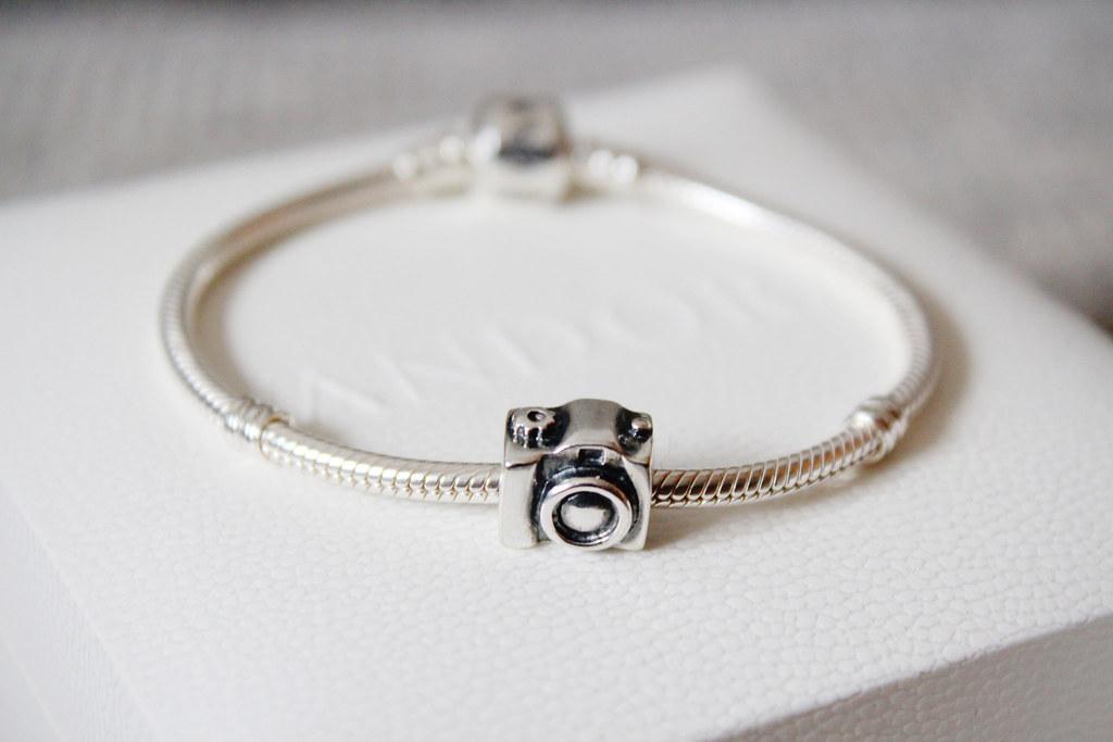 pandora-bracelet-with-camera-pendant