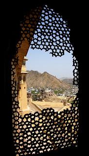 Grid window in Jaipur fort [1344]