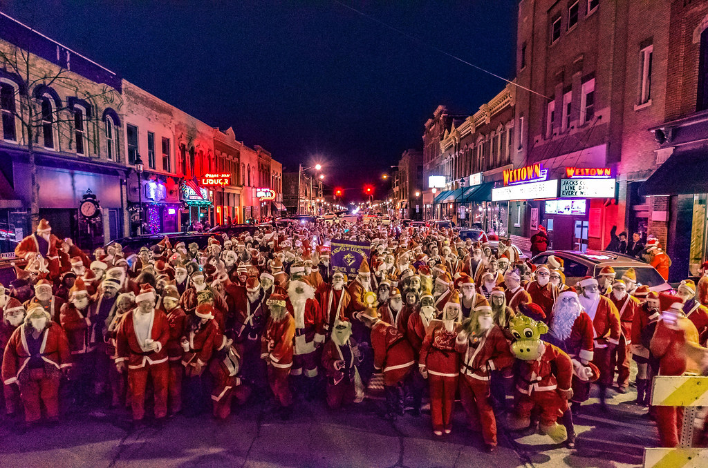 Santa attack on Midland Street, Bay City, 12/18/2014