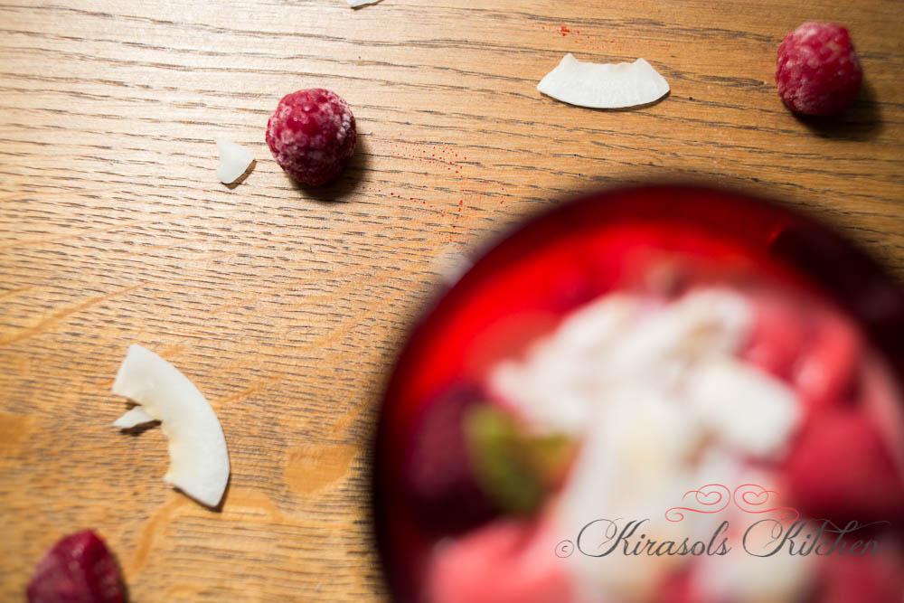 Kokos-Himbeer-Dessert (vegan)