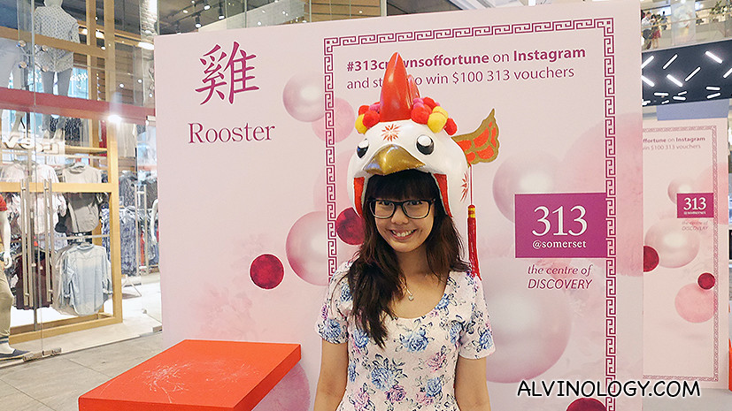 Here's Daphne of https://mitsueki.wordpress.com checking out the Rooster headdress