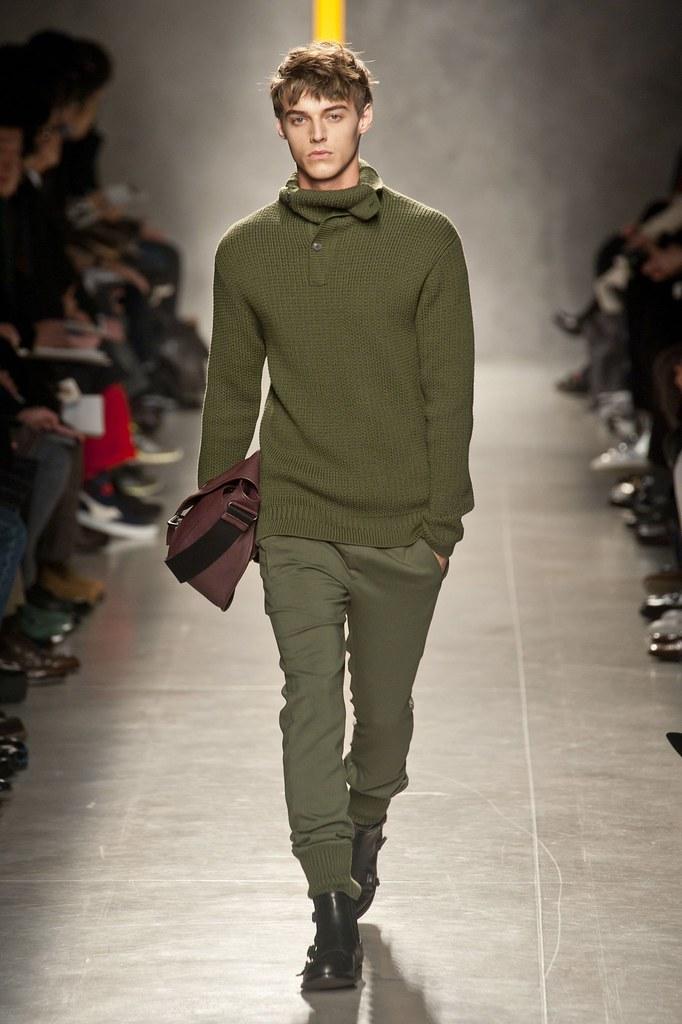Robbie Wadge3668_2_FW14 Milan Bottega Veneta(fashionising.com)