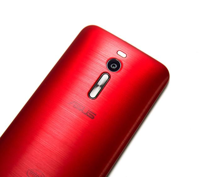 性價比機皇繼承人!ASUS ZenFone 2 – ZE551ML 評測 (1) 開箱 / 性能 / 實拍 @3C 達人廖阿輝