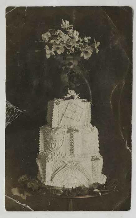 Churchill S Wedding Cake 1908 This Splendidly Over Decora