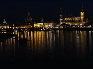 das andre Ufer in Dresden mit Frauenkirche, Hofkirche und Sekundogenitur an der Brühlschen Terrasse 0908